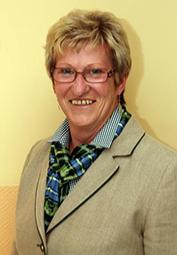Bekleidungsarchivar Elisabeth Hirschegger